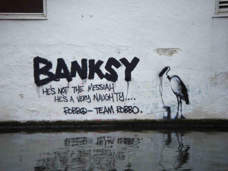 Banksy, graffeur, personnage mythique…